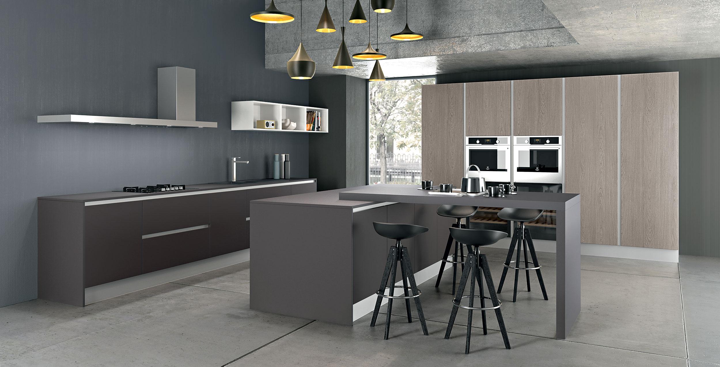 Le caractère de Sigma22 se trouve dans la porte d'une épaisseur de 22mm. Disponible dans les couleurs laquées, dans l'innovant PET vernis, dans les mélaminés thermo-structurés les plus innovants, dans le chêne en quatre finitions choisies soigneusement et dans le laqué exclusif effet métallisé Iron développé par Armony, qui donne à la pièce la bonne luminosité et l'atmosphère pour vivre pleinement la beauté de la cuisine.